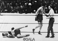 ******** Primo Carnera und Max Baer. Italian boxer and 1933/34 world heavyweight champion Primo Carnera (1906-1967) in his fight with the US-american heavyweight boxing champion Max Baer (1909-1959) that ended with a victory by technical knockout Baers. 14th June