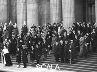 ******** Royal family members and national leaders on the steps of St Paul's Cathedral, 30th January 1965.