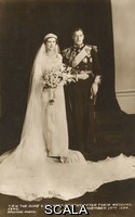 ********  The Duke and Duchess of Kent, wedding portrait.. The Duke and Duchess of Kent, after their wedding. November 29th 1934. . Unattributed postcard